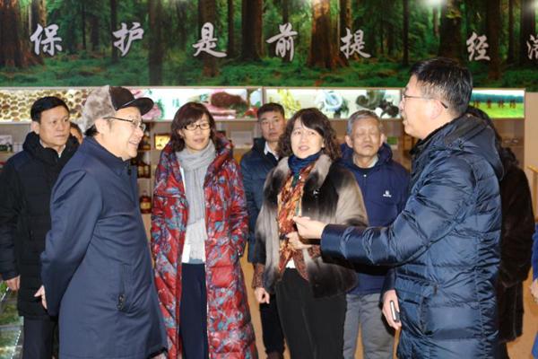2 2018年1月17日,省地方志办公室主任何伟志一行到黑龙江伊春生态经济开发区考察调研.jpg