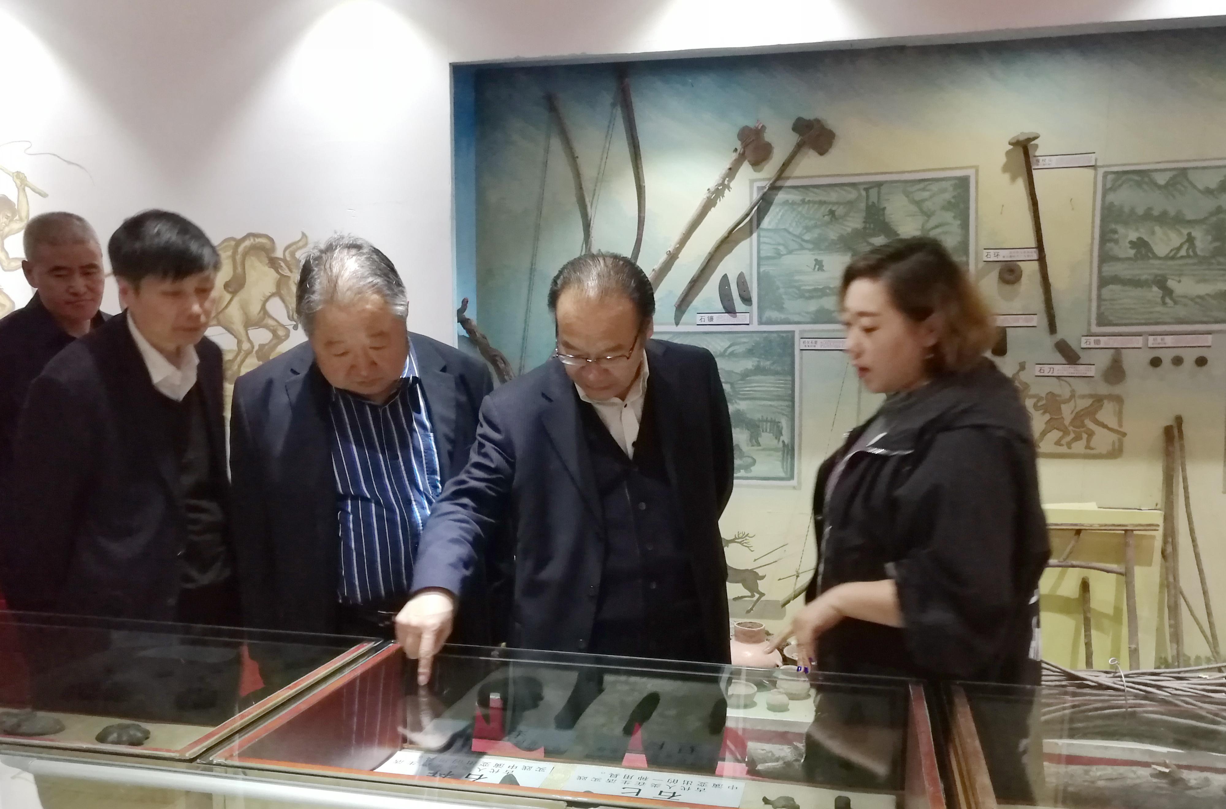 6参观考察牡丹江大学博物馆.jpg